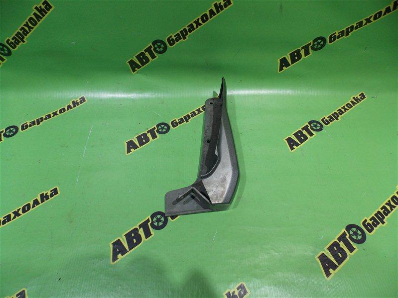 Накладка на крыло Toyota Voxy AZR60 1AZ-FSE 2004 передняя правая