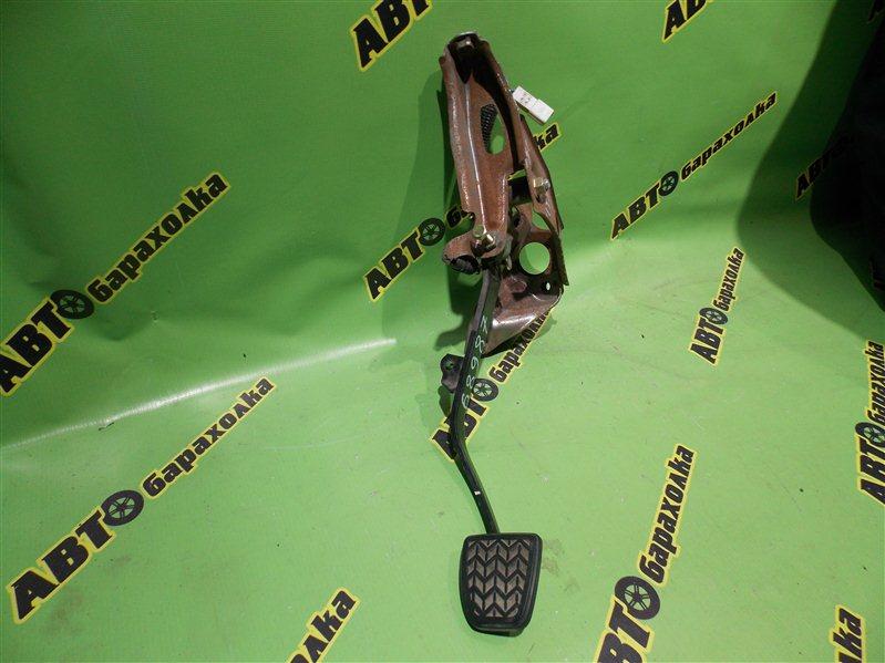 Педаль сцепления Toyota Vitz NCP10 2NZ-FE