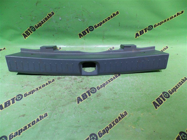 Накладка замка багажника Daihatsu Yrv M201G K3-VET 2001