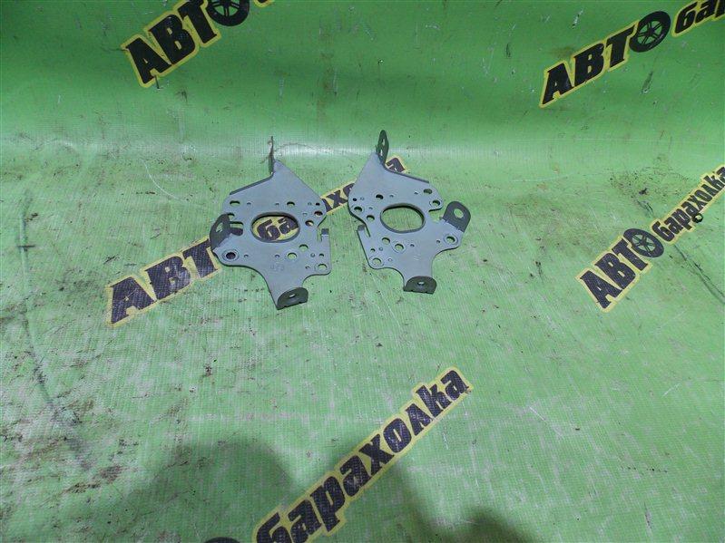 Крепление магнитофона Toyota Bb NCP31 1NZ-FE 2001