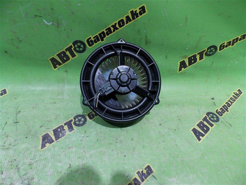 Мотор печки Toyota Crown Majesta UZS171 1UZ-FE задний