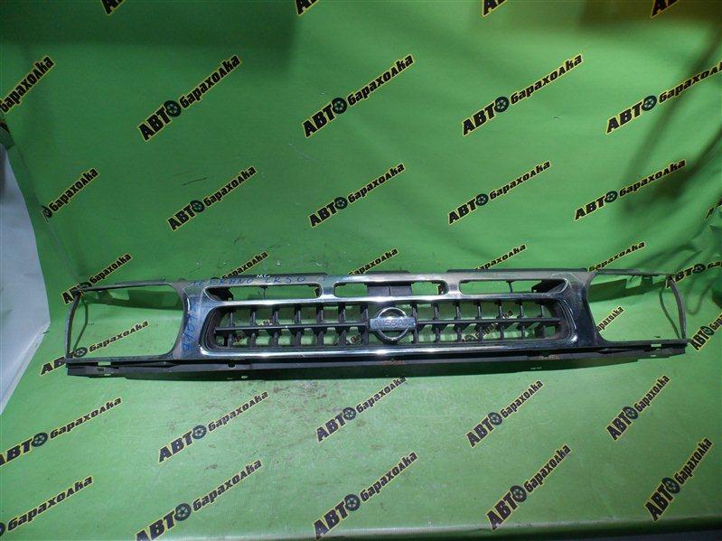 Решетка радиатора Nissan Terrano LR50