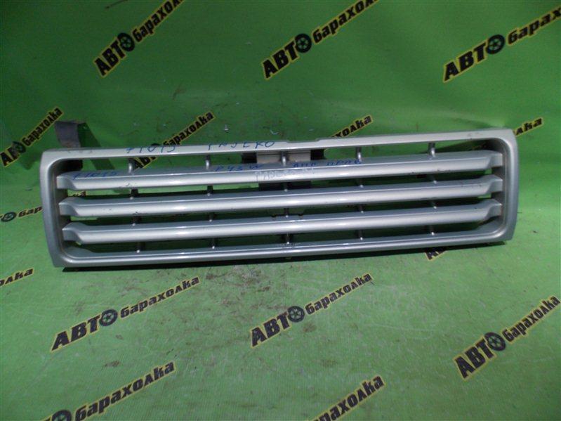 Решетка радиатора Mitsubishi Pajero P43W