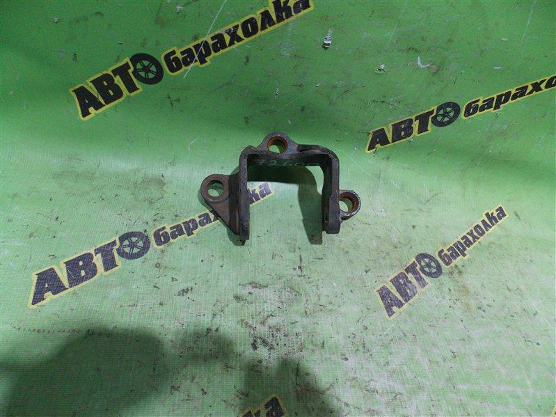 Крепление подушки двс Mazda Mpv LWEW FS левое