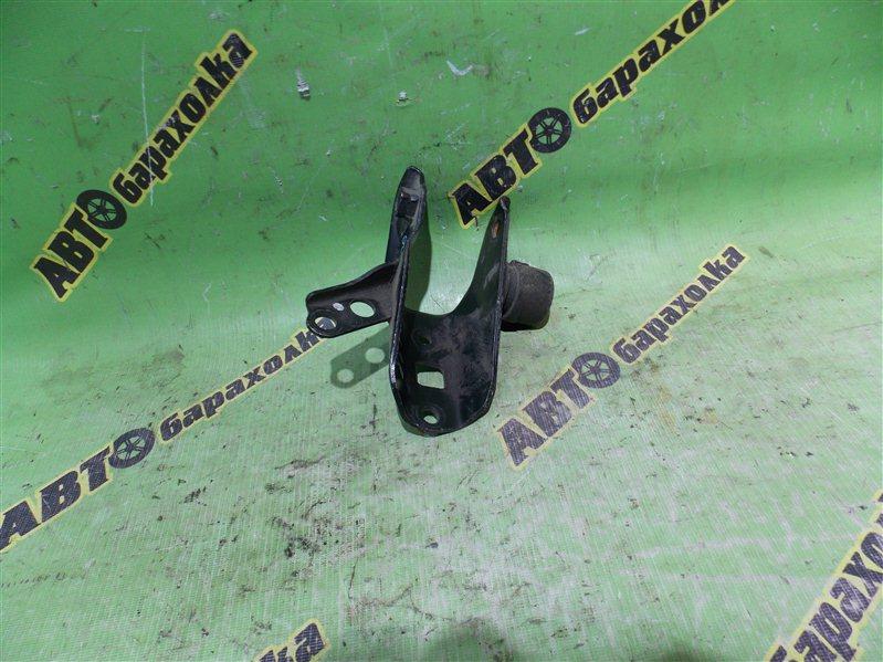 Крепление подушки двс Toyota Ipsum SXM10 3S заднее
