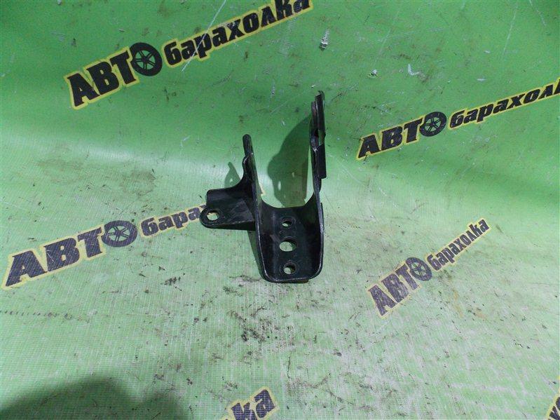Крепление подушки двс Toyota Funcargo NCP20 2NZ переднее