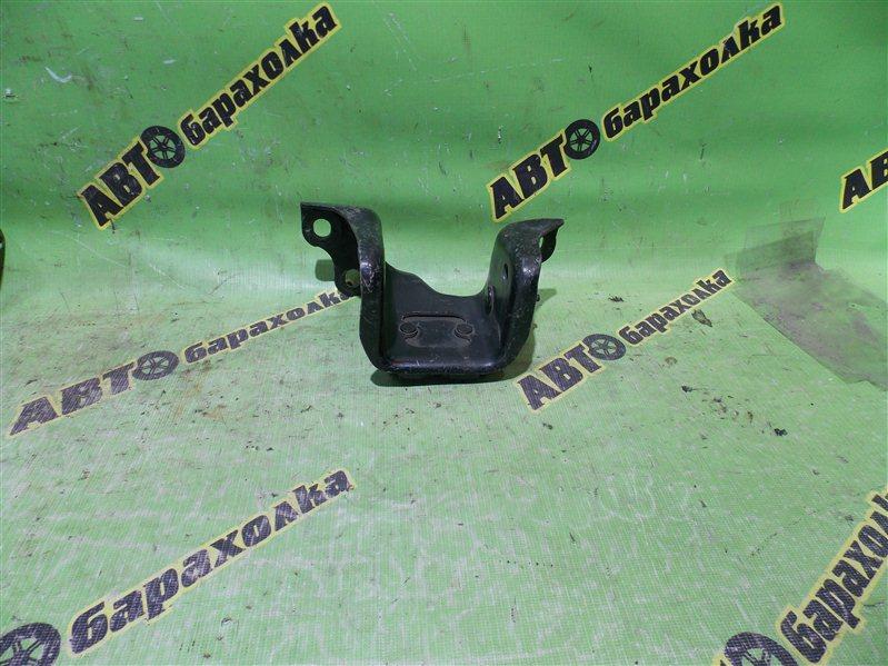 Крепление подушки двс Honda Accord CL3 F20B переднее правое