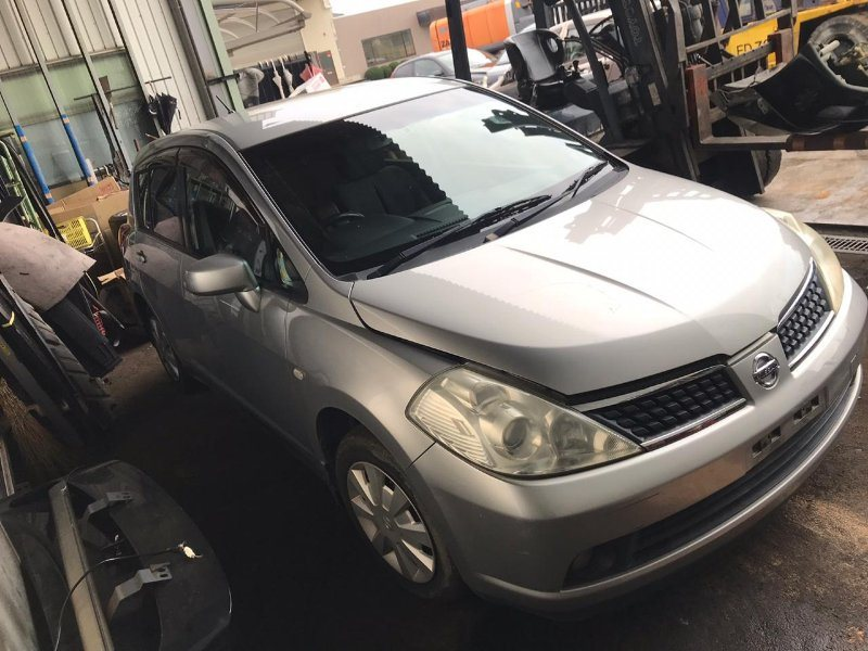 Капот Nissan Tiida JC11 MR18 2005 передний