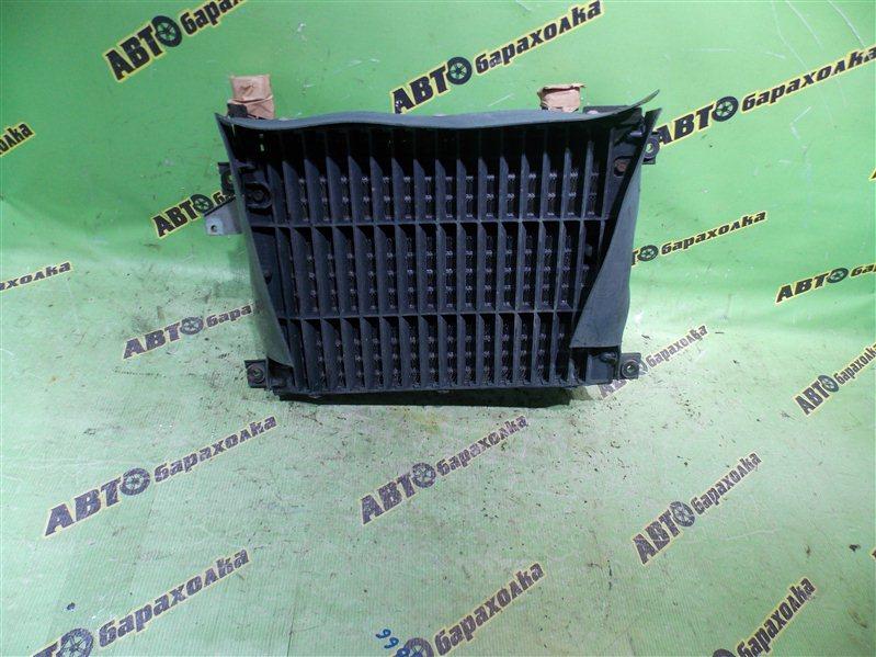 Радиатор кондиционера Mitsubishi Delica PD8W 4M40 1999 задний