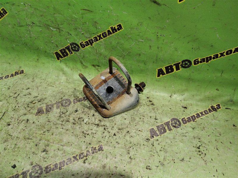 Стремянка рессоры Toyota Corolla EE102 4E-FE задняя