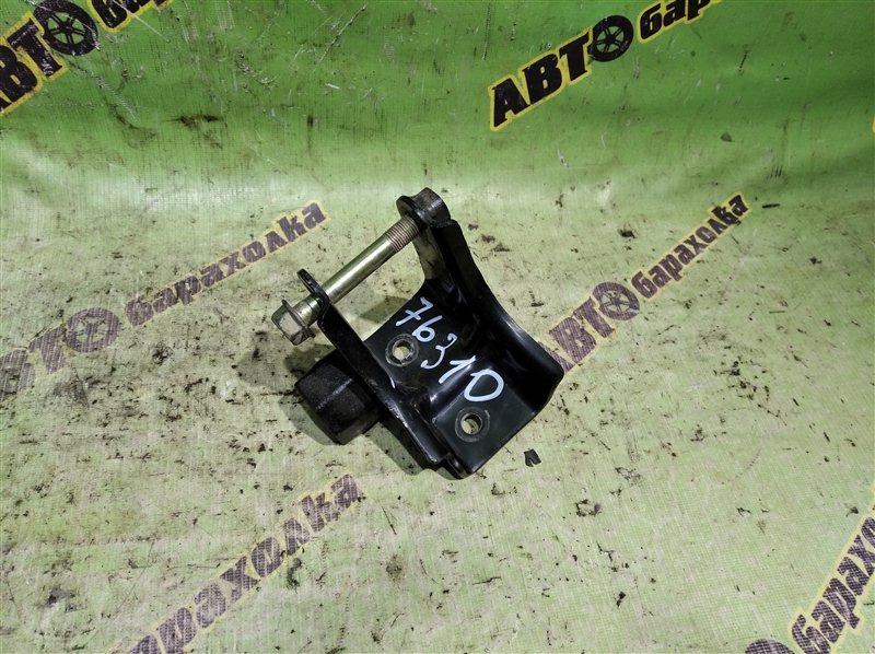 Крепление подушки двс Toyota Corolla EE102 4E-FE заднее