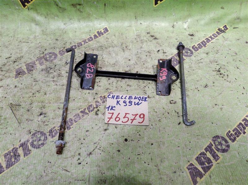 Крепление аккумулятора Mitsubishi Challenger K99 6G74 1998