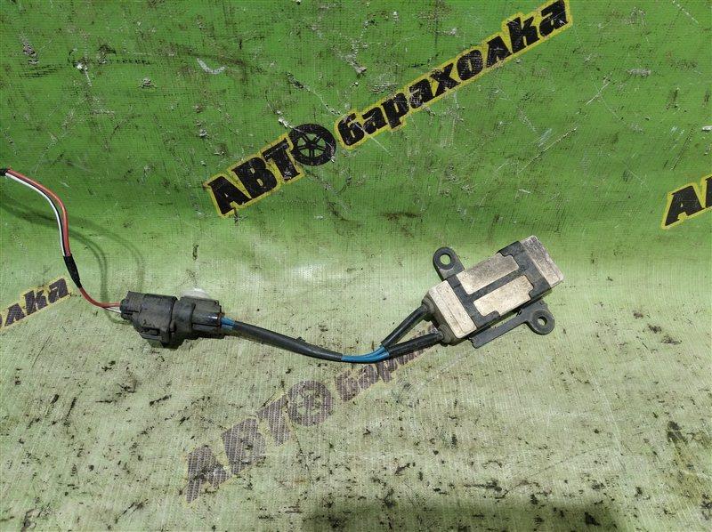 Резистор вентилятора охлаждения Toyota Premio ZZT240 1ZZ