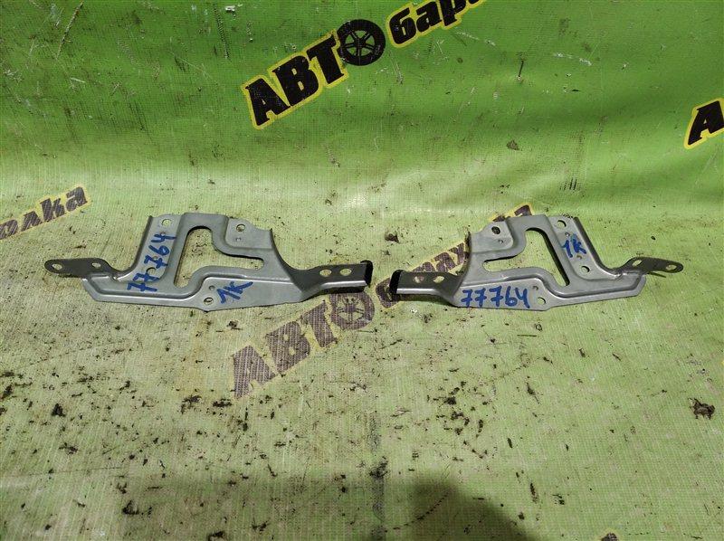 Крепление магнитофона Toyota Alphard MNH10 1MZ-FE 2005