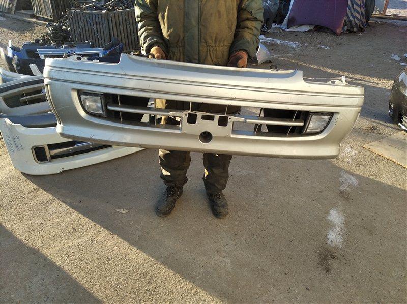 Бампер Toyota Hiace RZH101 передний