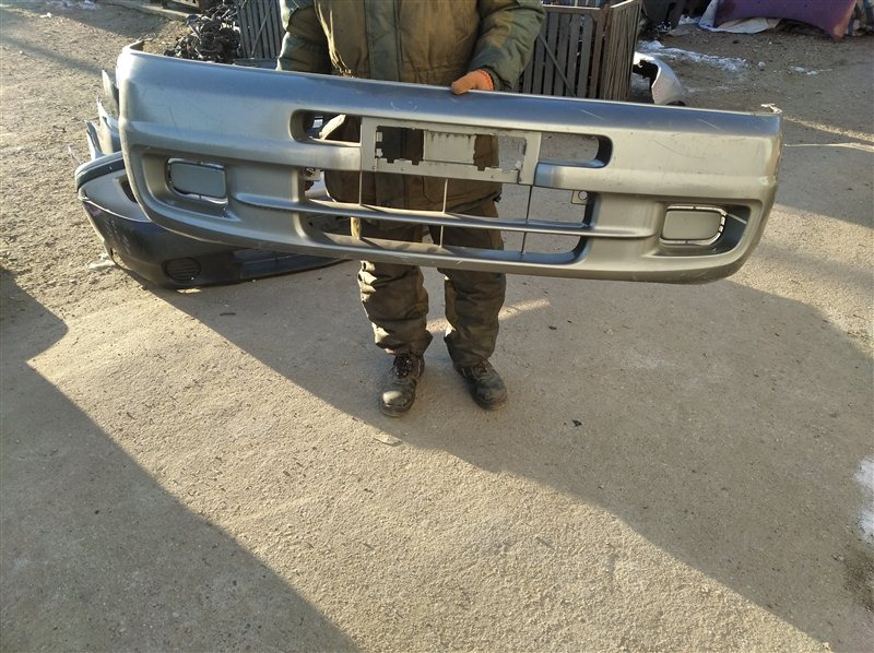 Бампер Mazda Bongo Friendee SGLW передний