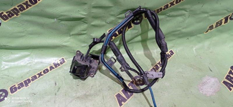 Камера переднего вида Toyota Ipsum ACM21 2AZ-FE передняя