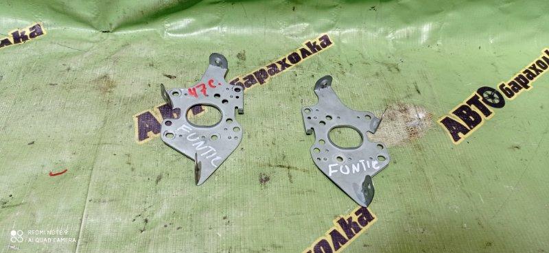 Крепление магнитофона Toyota Funcargo NCP20 2NZ-FE 2003