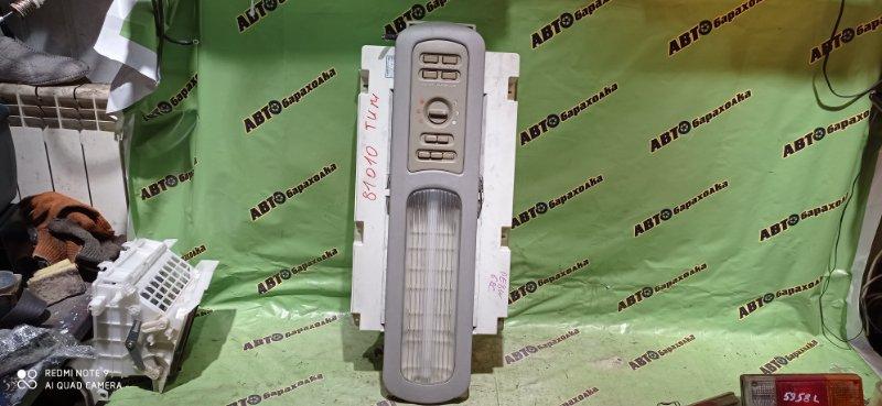 Светильник салона Mitsubishi Delica PE8W 4M40 1994 задний