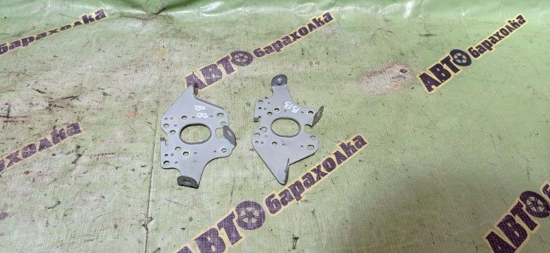 Крепление магнитофона Toyota Bb NCP30 2NZ-FE