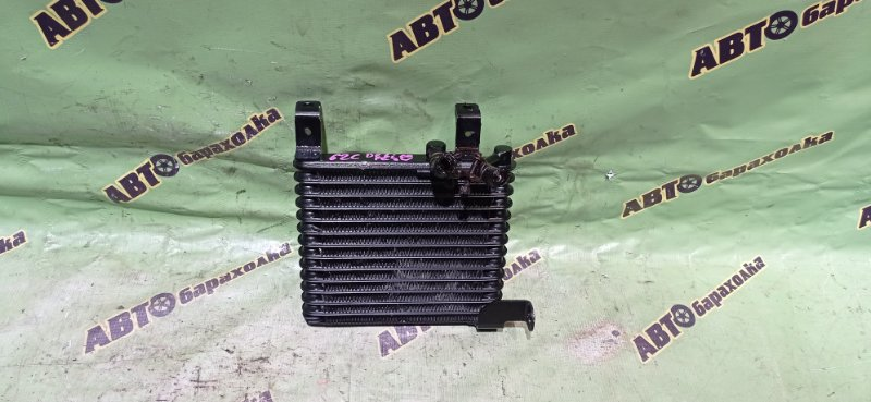 Радиатор масляный Mitsubishi Delica PE8W 4M40 1994