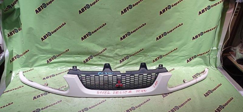 Решетка радиатора Mitsubishi Delica PC4W 4G64 2001 передняя