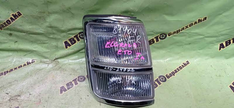Габарит Nissan Elgrand E50 передний правый