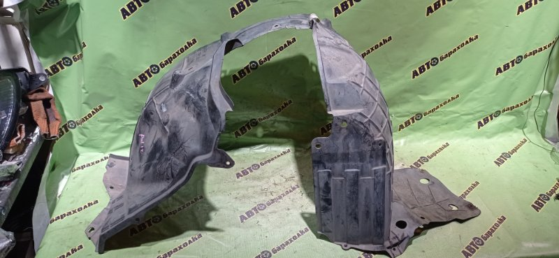 Подкрылок Nissan Ad Y12 передний левый