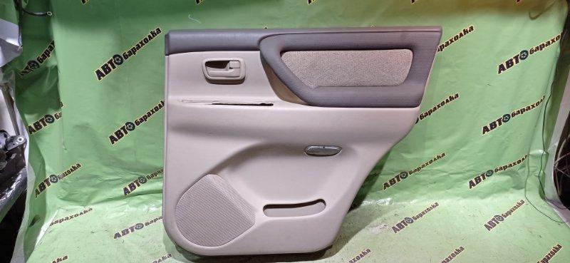 Обшивка дверей Toyota Land Cruiser UZJ100 2UZ-FE 2003 задняя правая