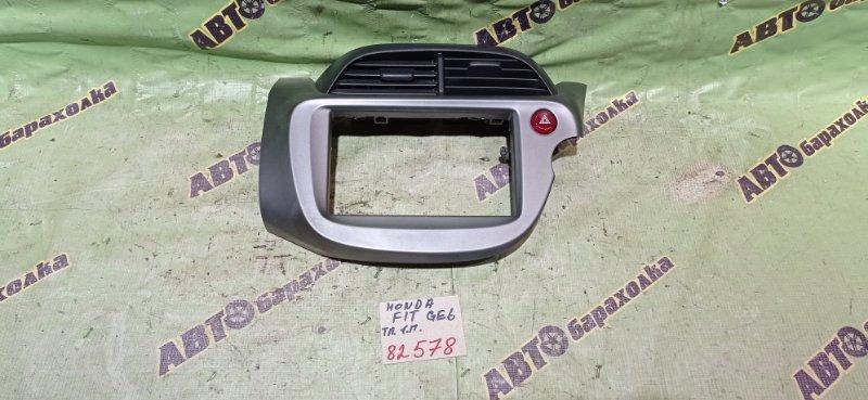 Консоль магнитофона Honda Fit GE6 L13A 2008