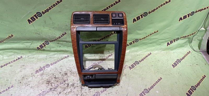 Консоль магнитофона Toyota Hilux Surf KZN185 1KZ-TE 1996