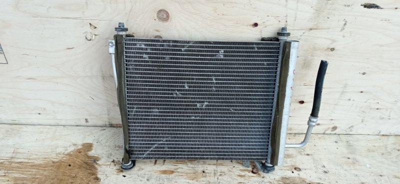 Радиатор кондиционера Suzuki Alto HA25S K6A 2010