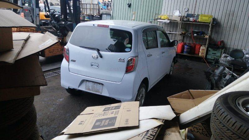 Дверь 5-я Daihatsu Mira E:s LA300S KF-VE3 2012 задняя