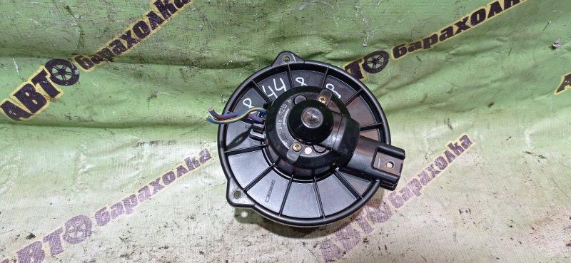 Мотор печки Toyota Vitz NCP10 2NZ-FE 2000