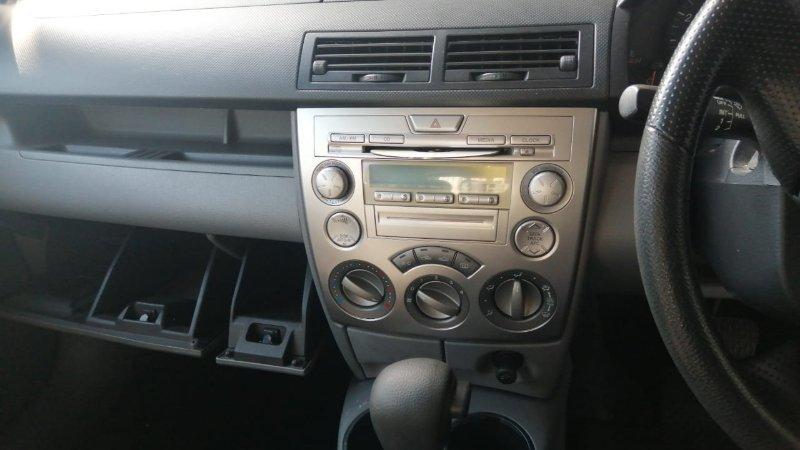 Климат-контроль Mazda Demio DY3W ZJ 2006