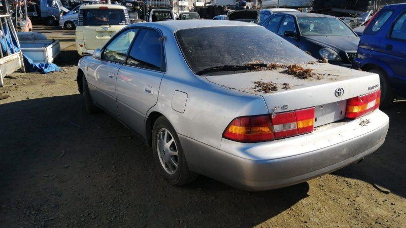 Стекло двери Toyota Windom MCV21 2MZ-FE 1996 заднее левое