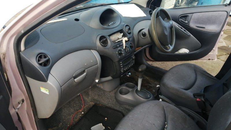 Airbag пассажирский Toyota Vitz SCP10 1SZ-FE 1999