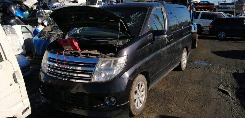 Стекло собачника Nissan Elgrand NE51 VQ35(DE) 2005 заднее правое