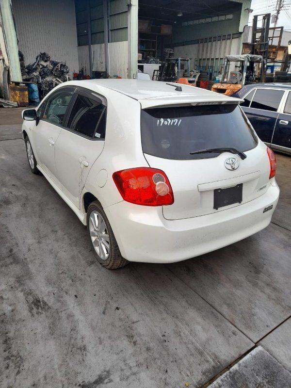 Ветровик Toyota Auris NZE151 1NZ-FE 2006 задний левый