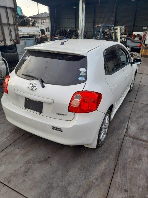 Ветровик Toyota Auris NZE151 1NZ-FE 2006 задний правый