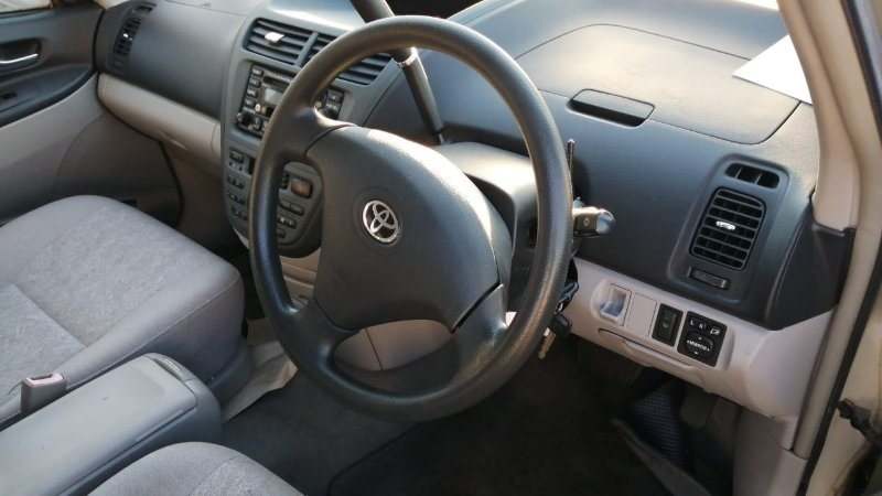 Подлокотник Toyota Opa ACT10 1AZ-FSE 2000