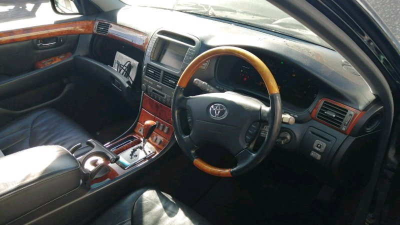Консоль кпп Toyota Celsior UCF31 3UZ-FE 2003