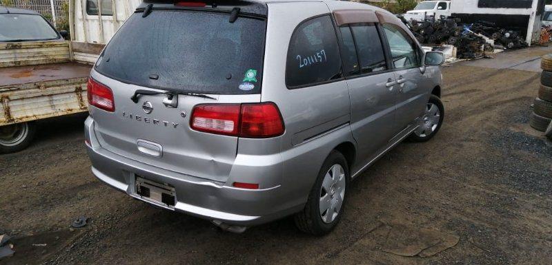 Вставка между стопов Nissan Liberty RM12 QR20(DE) 2002 задняя правая