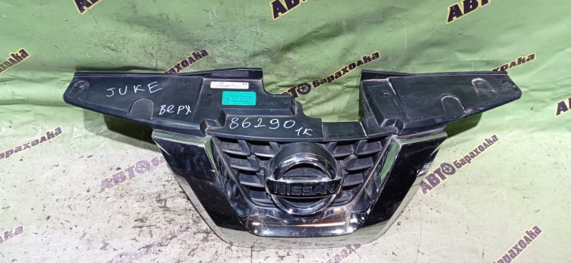Решетка радиатора Nissan Juke YF15 HR15 2014 передняя