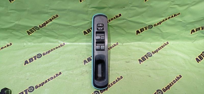 Пульт стеклоподъемника Toyota Aqua NHP10 1NZ-FXE 2012 передний правый