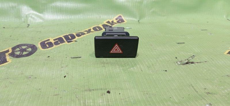 Кнопка аварийки Toyota Aqua NHP10 1NZ-FXE 2012