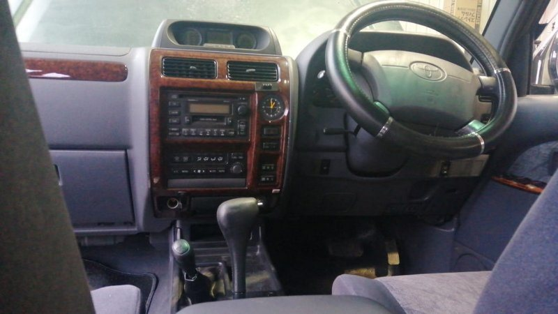 Консоль магнитофона Toyota Land Cruiser Prado KZJ95 1KZ-TE 1996