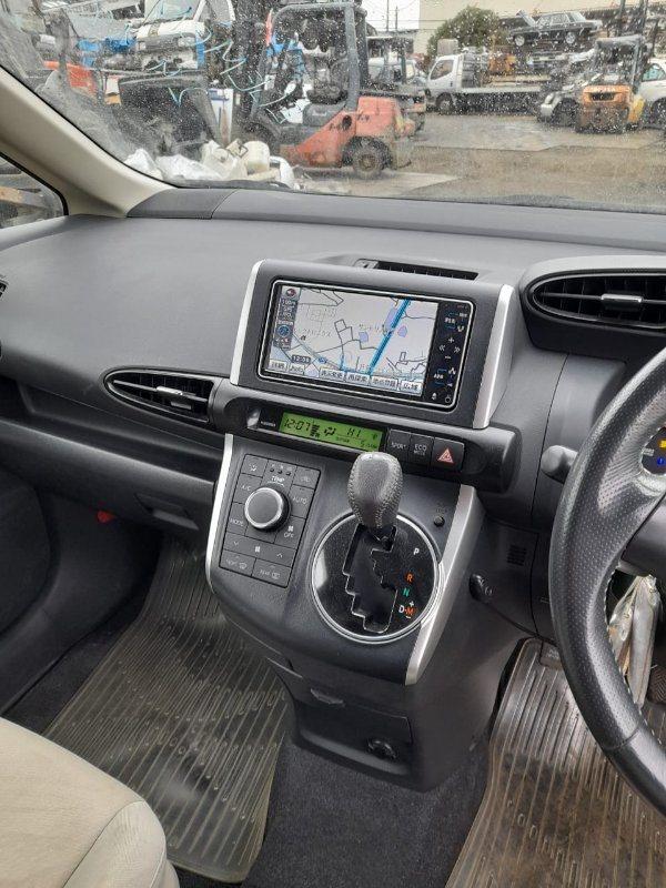 Консоль кпп Toyota Wish ZGE20 2ZR-FAE 2009