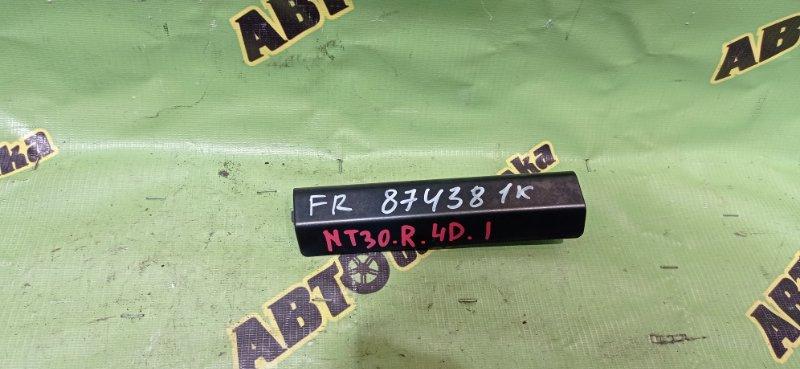 Крышка рейлинга Nissan X-Trail NT30 QR20(DE) 2004 передняя правая