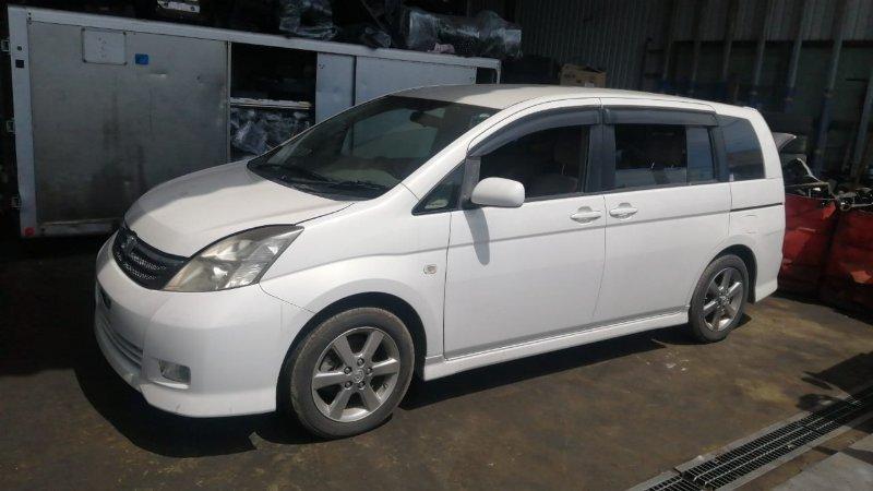 Порог Toyota Isis ANM10 1AZ-FSE 2006